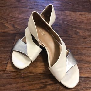 Naturalizer White & Silver D'Orsay Flat 9.5